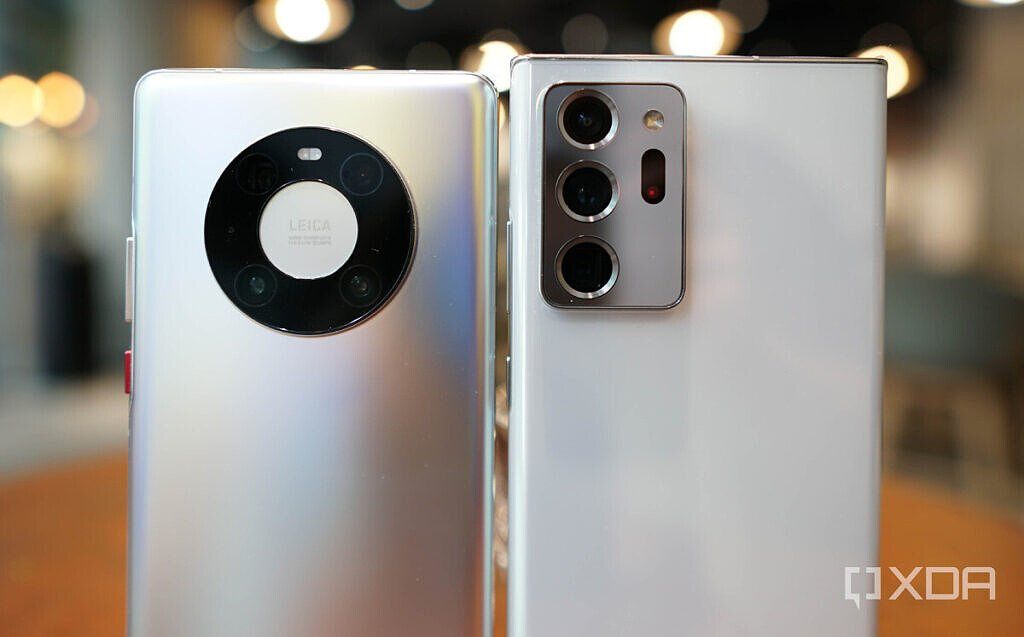 The camera modules of the Mate 40 Pro and Note 20 Ultra.