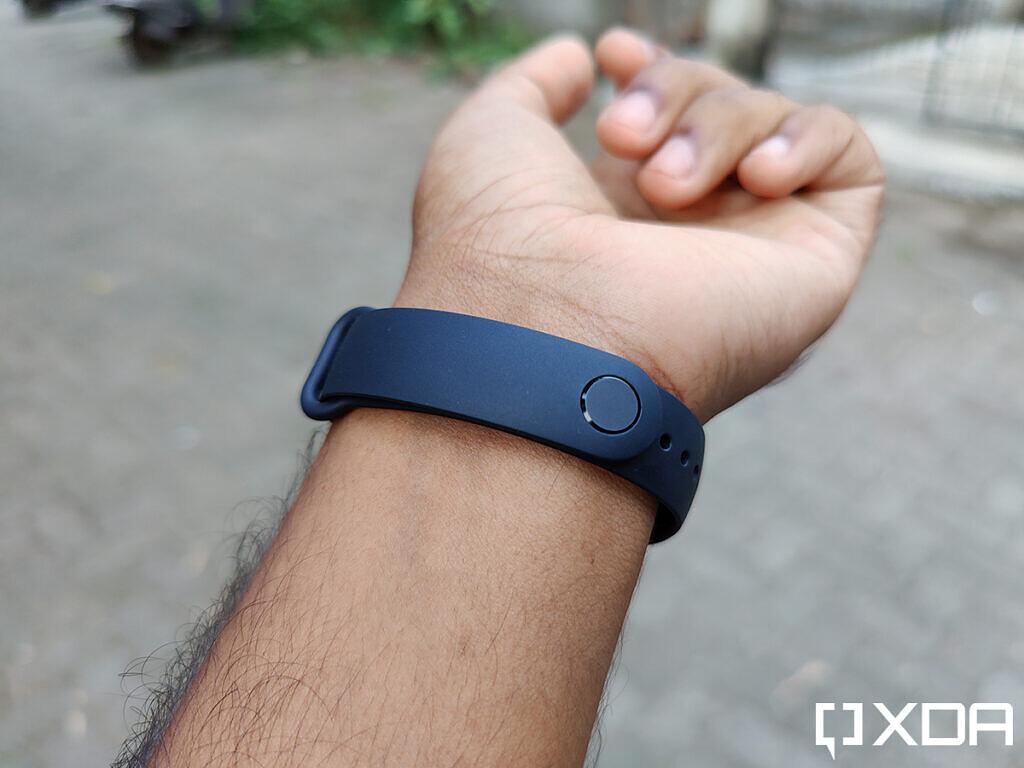 Xiaomi-Mi-Band-5-back-clasp