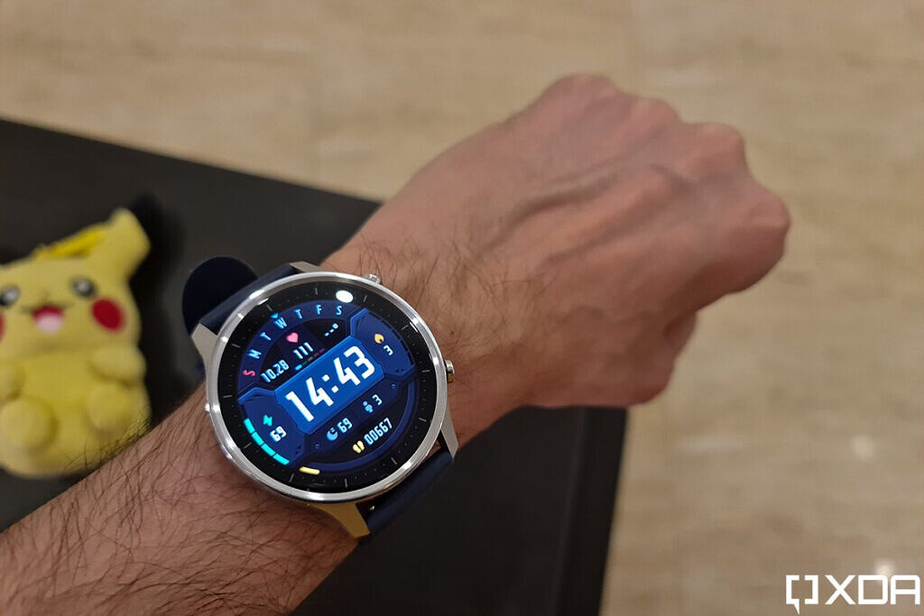 مراجعة Xiaomi Mi Watch Revolve على المعصم
